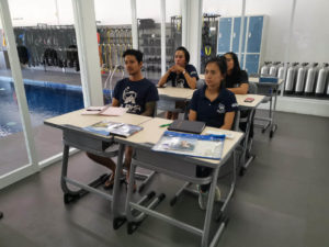 PADI Diving Course in Bali | Diving Class | Alpha World Diving